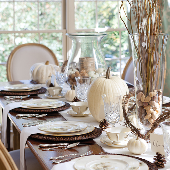 naturally-beautiful-thanksgiving-table